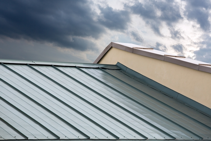 3 Tips for Choosing Sheet Metal Roof Shingles