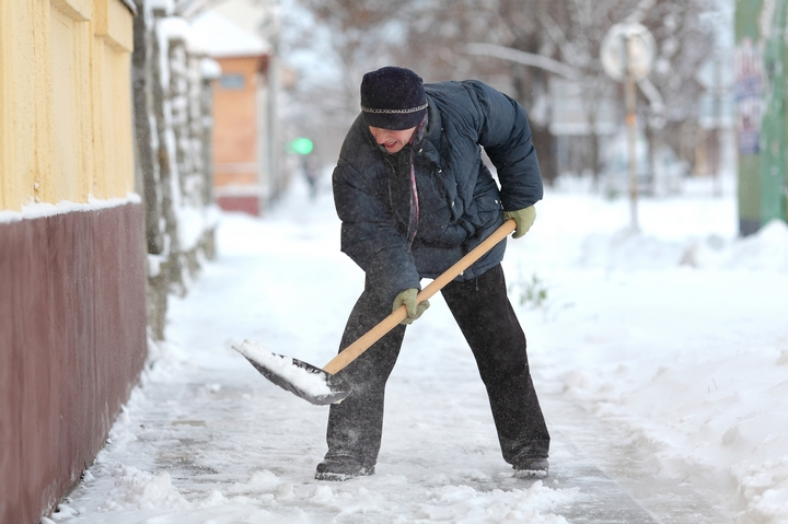 5 Safety Precautions for Homeowners in Winter