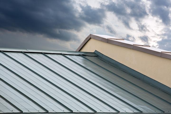 3 Tips for Choosing Sheet Metal Roof Shingles