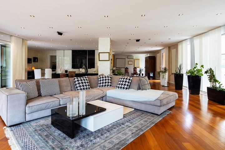 While Walls In A Home Or Apartment Are Necessary Sometimes To Divide Rooms  And Bear The Load Of The Roof, It Can Make An Area Feel Smaller.